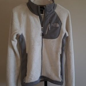 In excellent condition.   North face xs